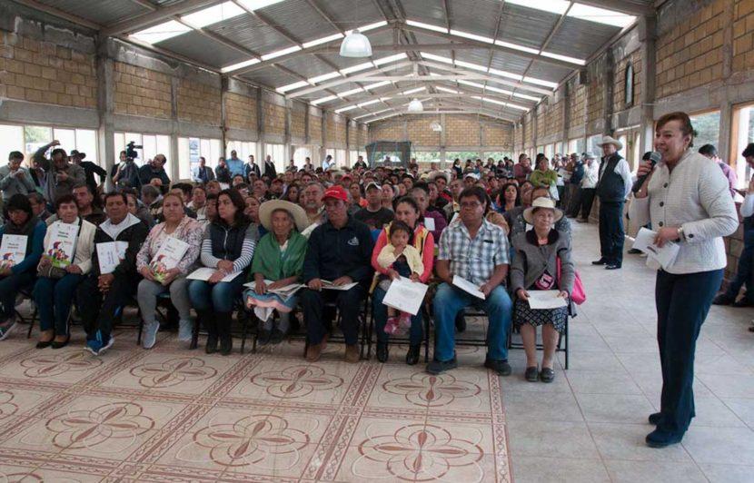 CONTRIBUYE MERCEDES COLÍN A BRINDAR CERTEZA JURÍDICA  AL PATRIMONIO FAMILIAR