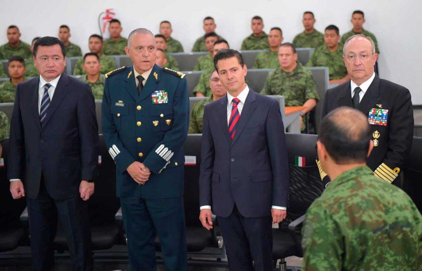 """«QUIENES DENIGRAN LA LABOR DE NUESTRAS FUERZAS ARMADAS, DENIGRAN A MÉXICO"""": EPN"""