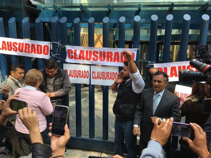 """""""CLAUSURAN"""" PGR POR IMPUGNAR LA CONSTITUCIÓN DE LA CDMX"""
