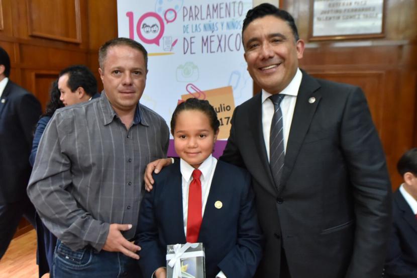 RECIBE CRUZ ROA DECLARATORIA DEL 10º PARLAMENTO DE LAS NIÑAS Y NIÑOS DE MÉXICO