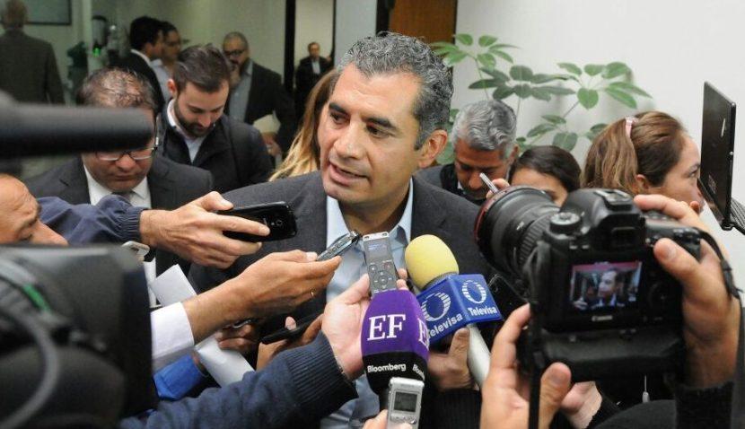 O. REZA PRESENTA ARGUMENTOS AL INE DE QUE NO SE REBASARON LOS TOPES DE CAMPAÑA EN COAHUILA