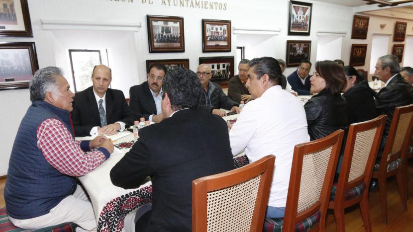 RESPALDA INICIATIVA PRIVADA APLICACIÓN EN TOLUCA DEL REGLAMENTO DE TRÁNSITO