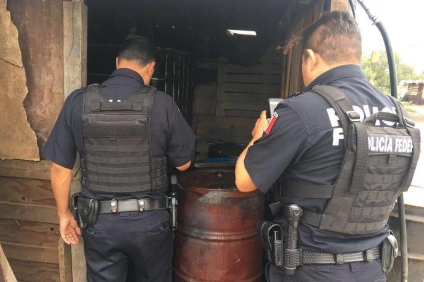 PF DESMANTELA PUNTOS DE VENTA IRREGULAR DE COMBUSTIBLE EN LA CARRETERA LOS REYES- TEXCOCO