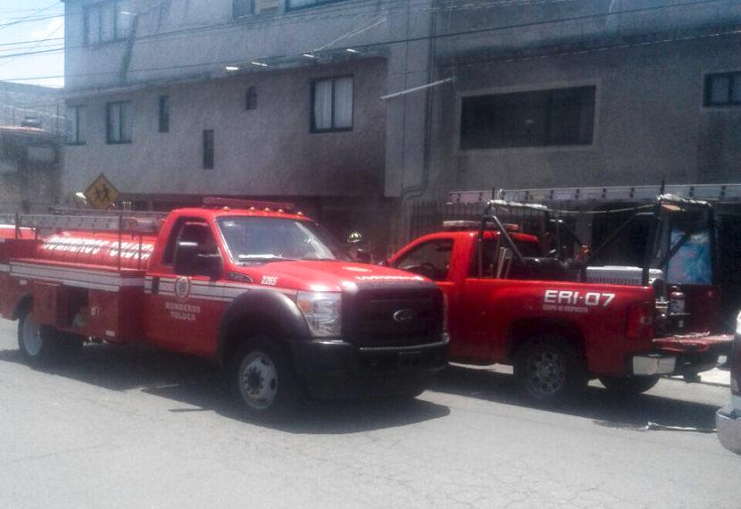 SOFOCAN BOMBEROS DE TOLUCA INCENDIO EN LA COLONIA MIGUEL HIDALGO