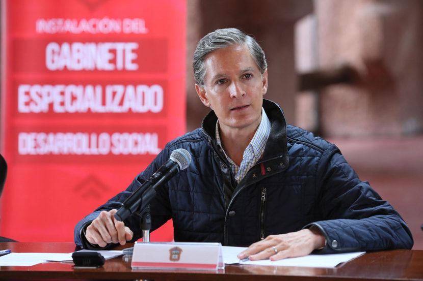 ALFREDO DEL MAZO INSTRUYE A SU GABINETE A DISEÑAR OPERACIÓN DEL SALARIO ROSA