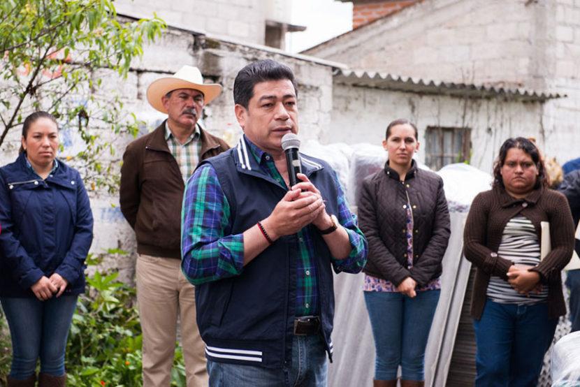 MIGUEL SÁMANO da APOYOS A FAMILIAS AFECTADAS EN POLOTITLÁN