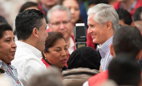 RECONOCE CRUZ ROA ACCIONES DE ALFREDO DEL MAZO PARA MEJORAR  AL CAMPO MEXIQUENSE
