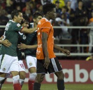CHIVAS GANÓ 2-0 EN REPÚBLICA DOMINICANA