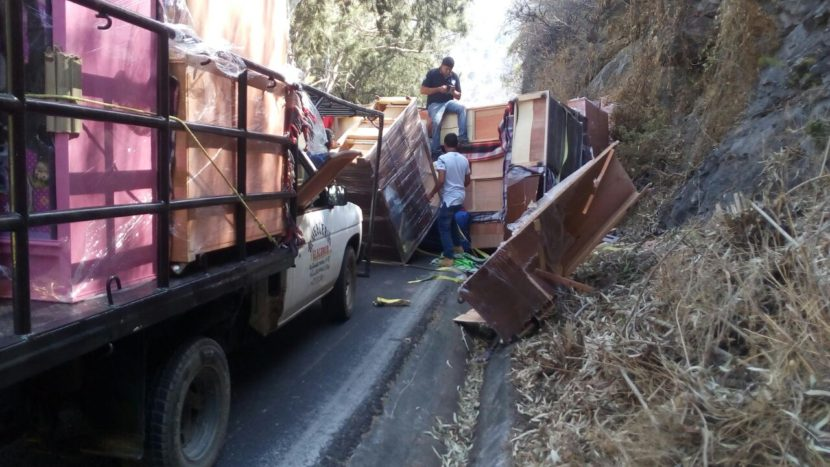 Volc camioneta de muebles en valle de bravo ordenador - Muebles bravo ...