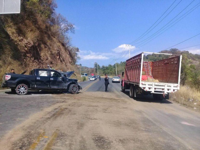 CHOQUE FRONTAL EN TENANCINGO DEJA DOS PERSONAS MUERTAS