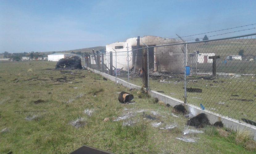 EXPLOSIÓN DE UN POLVORÍN SE REGISTRA EN CARRETERA TOLUCA-VILLAVICTORIA