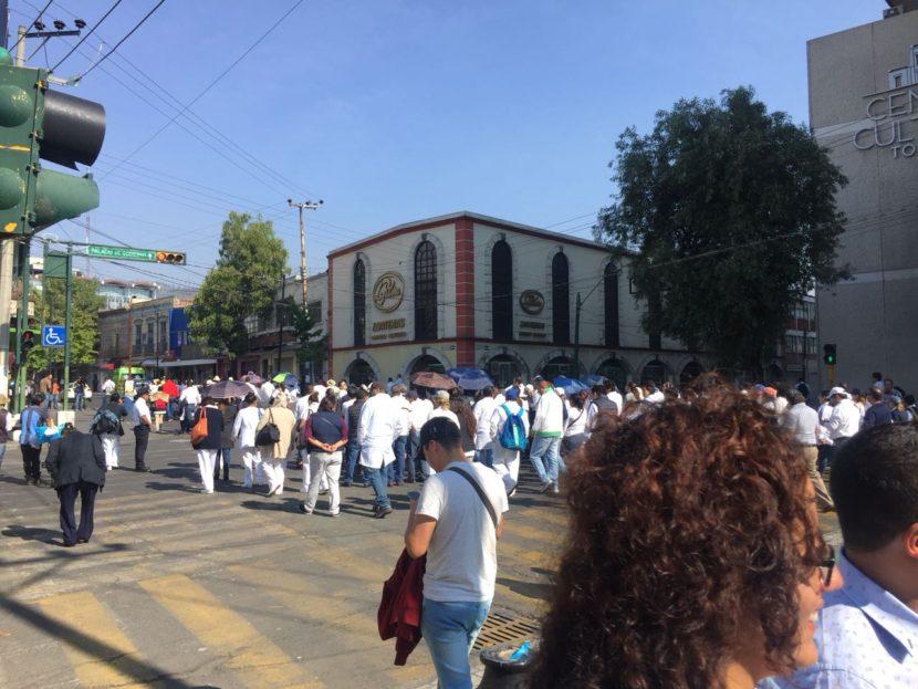 MARCHAN MILES PARA MEJORAR SERVICIOS DE SALUD EN EL EDOMEX