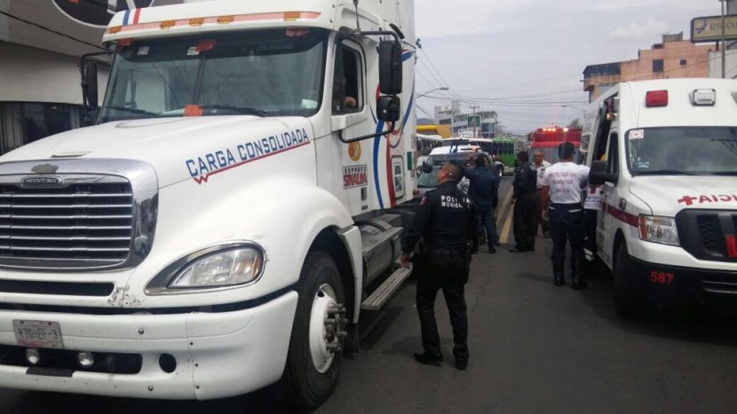 TRAILER ATROPELLA A ANCIANA EN VALLE DON CAMILO
