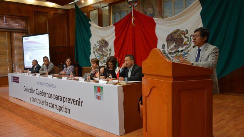 PRESENTAN CUADERNOS ANTICORRUPCIÓN EN LA LEGISLATURA