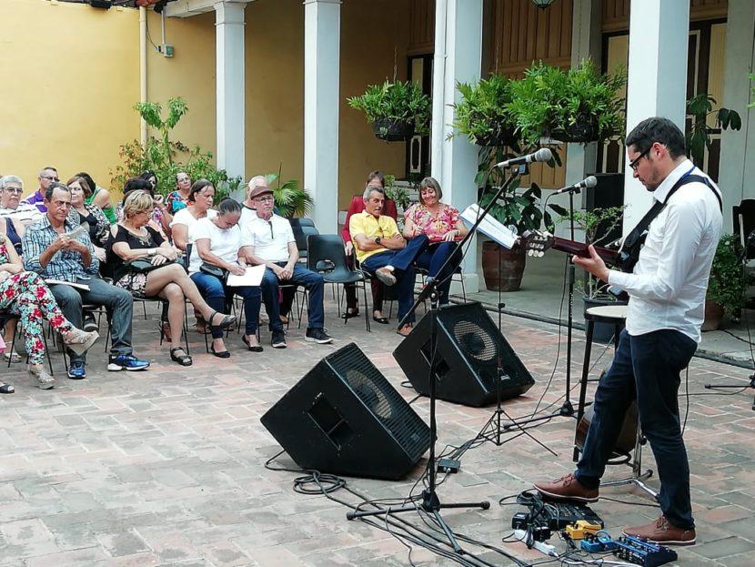 CON RECITAL DE GUITARRA CIERRA METEPEC PARTICIPACIÓN EN CUBA,