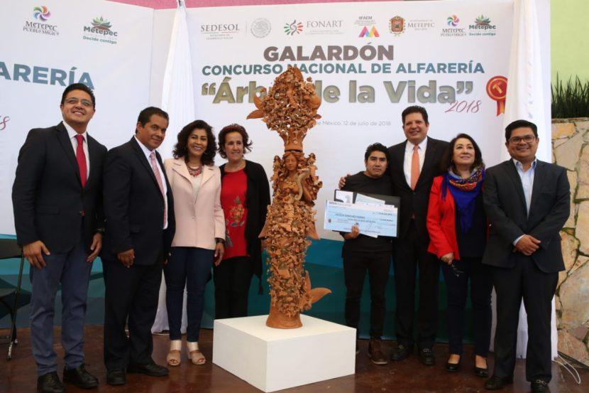 CECILIO SANCHEZ GANADOR DEL CONCURSO DE ALFARERÍA ÁRBOL DE LA VIDA