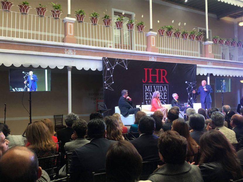 PRESENTAN LIBRO HOMENAJE A CARLOS HANK RHON
