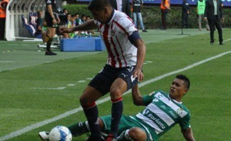 CHIVAS PIERDE CONTRA SANTOS 2-1