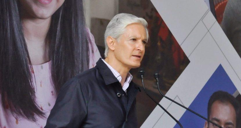 ALFREDO DEL MAZO RECONOCE A LA JUVENTUD MEXIQUENSE