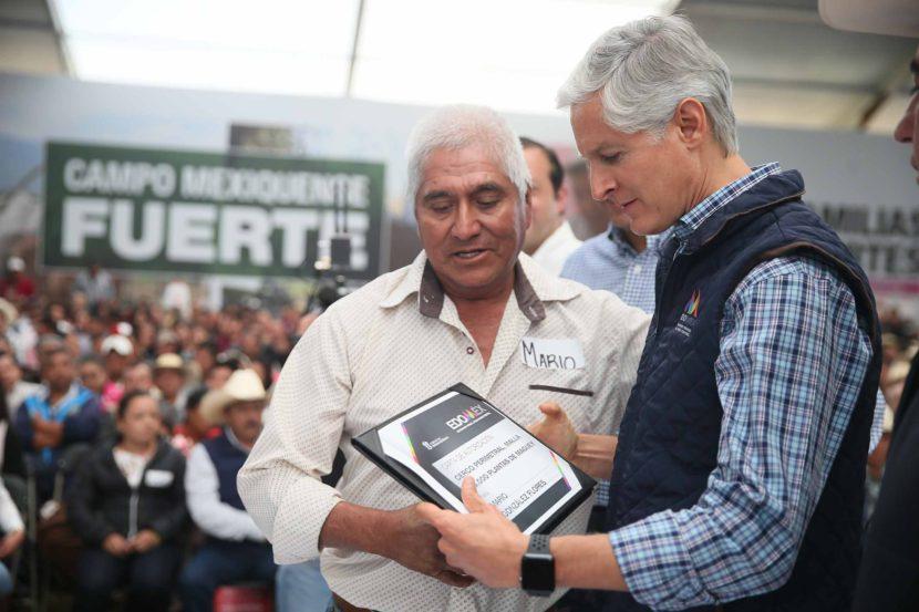 ALFREDO DEL MAZO ENTREGA INCENTIVOS AGROPECUARIOS EN EL SUR DE LA ENTIDAD