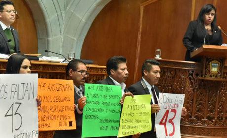 EXIGE MORENA EN LA 60 LEGISLATURA JUSTICIA POR LOS 43 ESTUDIANTES  DE AYOTZINAPA DESAPARECIDOS