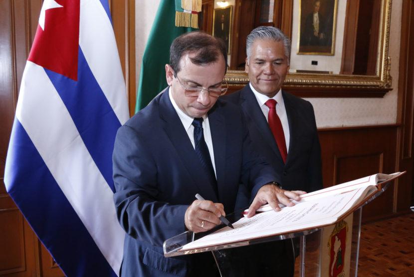 FORTALECEN LAZOS DE AMISTAD CUBA Y TOLUCA