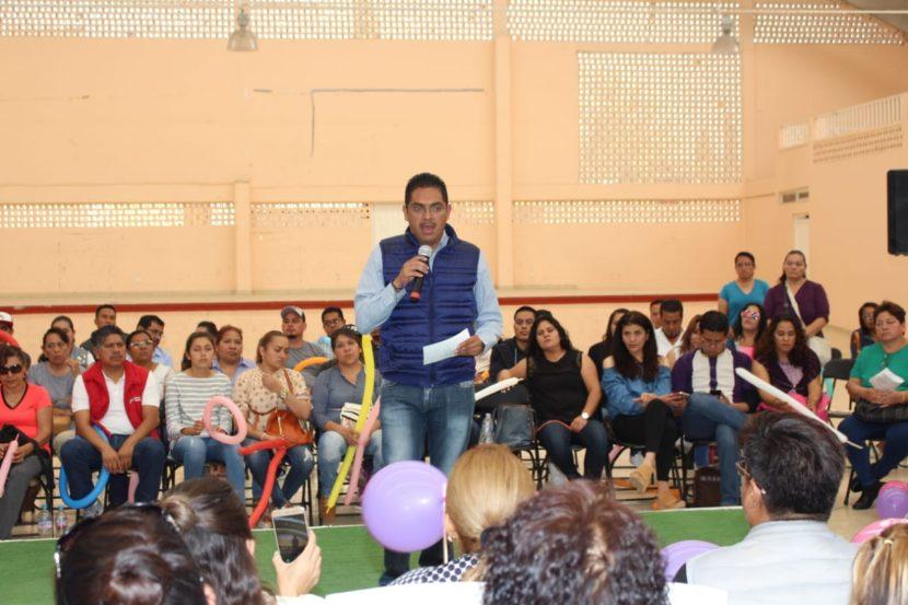 Propone Uribe Navarrete atención especial a maestras y jóvenes en SMSEM