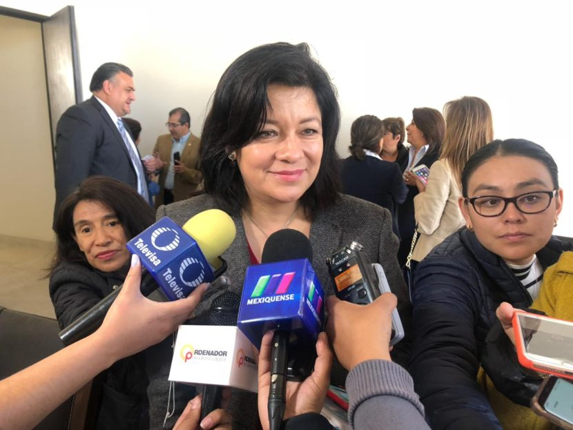 MEJORAR CAPACITACIÓN PARA EL TRABAJO, SE PROPONE MARTHA HILDA GONZÁLEZ CALDERÓN