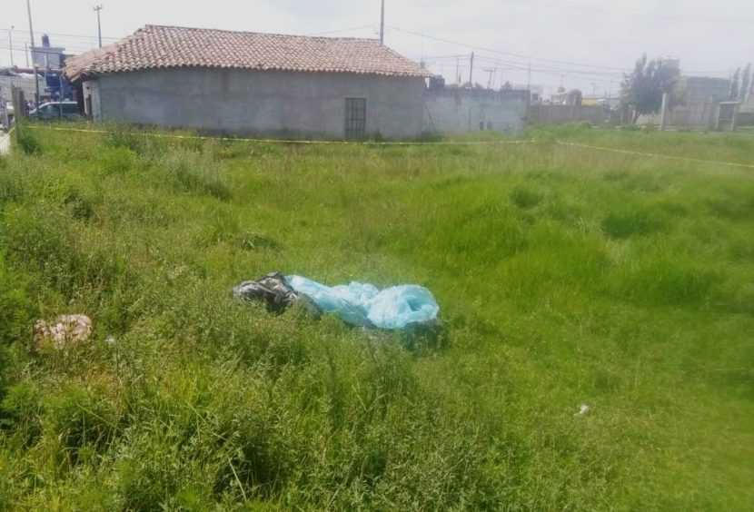 ENCUENTRAN A EMBOLSADO EN XONACATLÁN