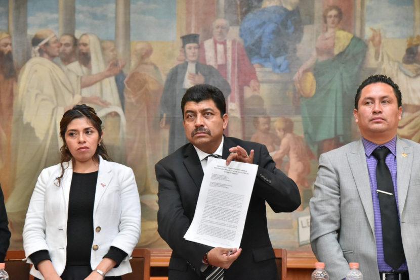 SE REÚNEN DIPUTADOS DE MORENA, PRI, PT Y PES CON TRANSPORTISTAS MEXIQUENSES