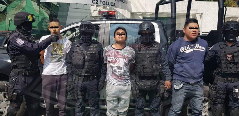 ASEGURA POLICÍA DE TOLUCA A SUJETOS DEDICADOS AL ROBO CON VIOLENCIA