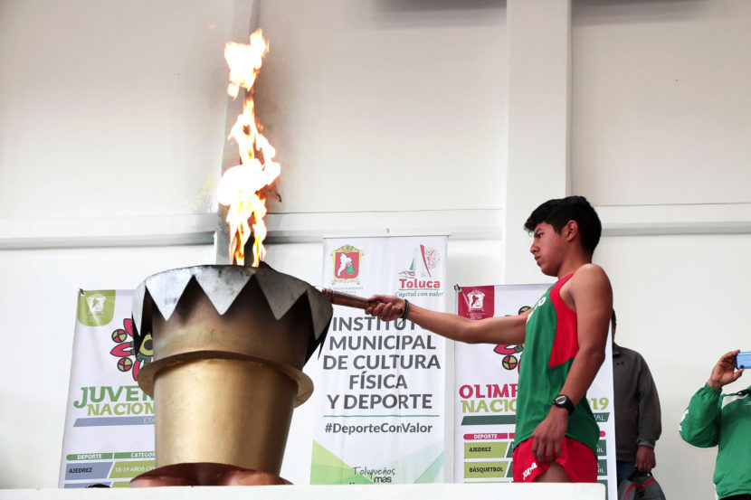 ENCIENDEN FUEGO EN TOLUCA DE LA OLIMPIADA NACIONAL 2019