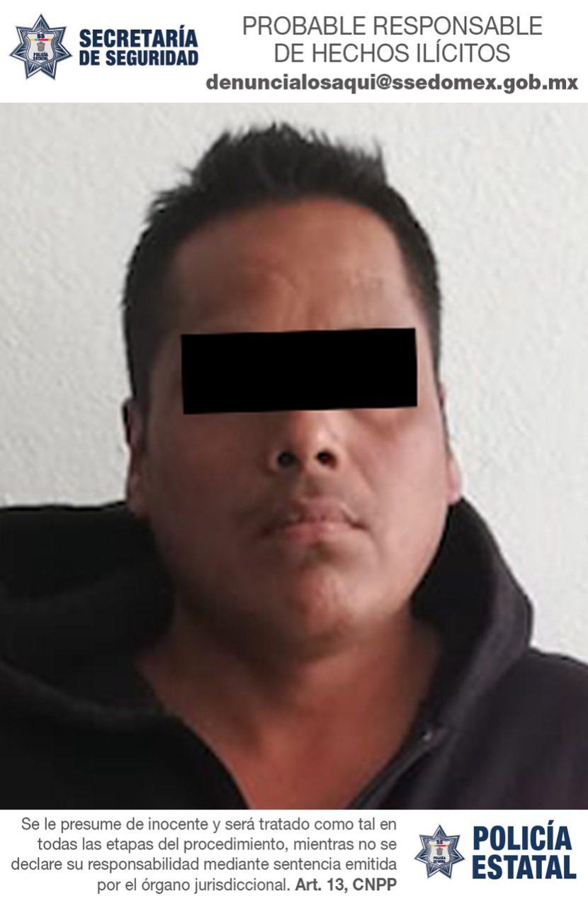 POLICÍAS ESTATALES Y MUNICIPALES DETUVIERON A DOS PERSONAS POR ROBO DE UN VEHÍCULO