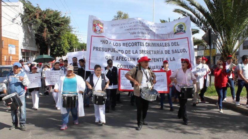 POR FALTA DE MEDICINAS E INSUMOS, DOCTORES Y ENFERMERAS SE MANIFIESTAN
