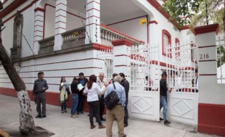 INICIA MUDANZA EN LA CASA DE TRANSICIÓN DE AMLO