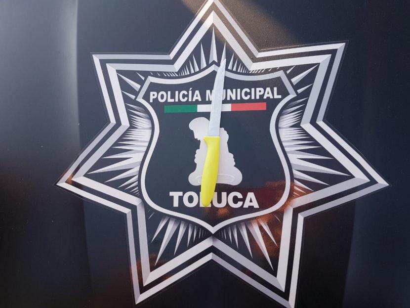 CAPTURA POLICÍA DE TOLUCA A DOS SUJETOS POR PRESUNTO ROBO DE VEHÍCULO