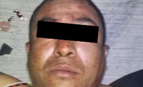 EN RÁPIDA ACCIÓN POLICÍAS DETIENEN A SUJETO QUE MINUTOS ANTES ROBÓ CON VIOLENCIA UN AUTOMÓVIL