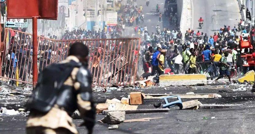 VIOLENTAS PROTESTAS EN HAITÍ DEJAN DECENAS DE HERIDOS Y SEIS MUERTOS