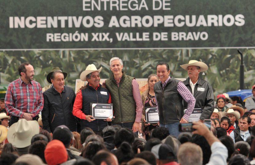 ENTREGA GOBERNADOR ALFREDO DEL MAZO INCENTIVOS AGROPECUARIOS