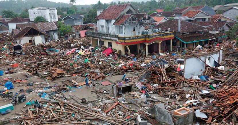 TSUNAMI EN INDONESIA: CIFRA DE MUERTOS SUBE A MÁS DE 400
