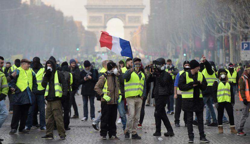Vicepresidentes de Italia dan apoyo a 'chalecos amarillos' franceses
