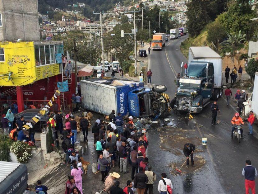 CERRADA LA TOLUCA-NAUCALPAN POR ACCIDENTE