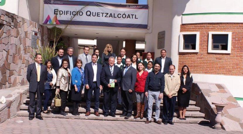 PODRÁN ESTUDIANTES Y EGRESADOS DE LA UIEM PRESTAR SERVICIOS SOCIAL Y PROFESIONALES EN INSTITUCIONES MÉDICAS PRIVADAS