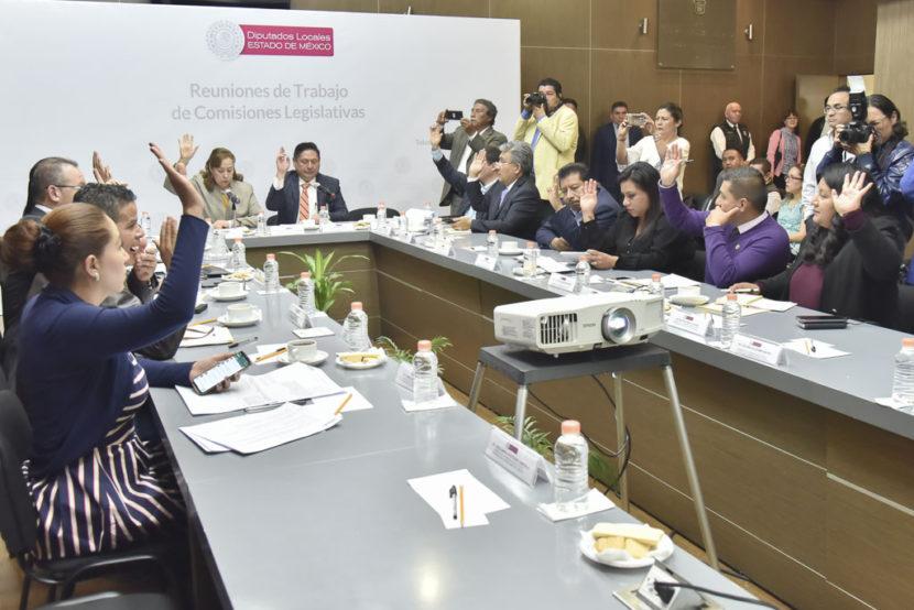 ACUERDAN COMISIONES LEGISLATIVAS DICTAMINAR INICIATIVAS PARA ELIMINAR EL FUERO