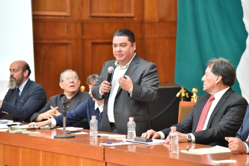 NUEVA LEY DEL ISSEMYM SERÁ DE VANGUARDIA Y EN FAVOR DE LOS TRABAJADORES, ASEGURA ARMANDO BAUTISTA