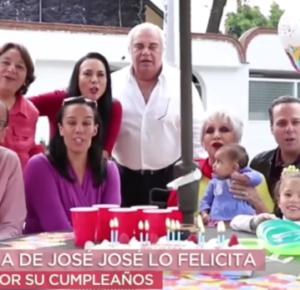 FAMILIA DE JOSÉ JOSÉ LO FELICITAN CON EMOTIVO VIDEO