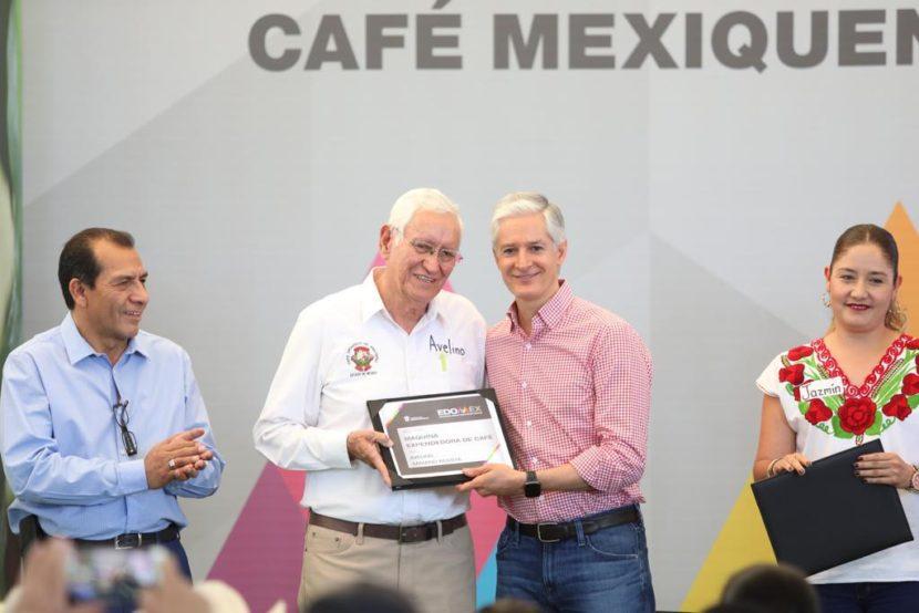 PONE EN MARCHA ALFREDO DEL MAZO ESTRATEGIA PARA IMPULSAR PRODUCCIÓN Y VENTA DE CAFÉ MEXIQUENSE, CON LA ENTREGA DE MÁQUINAS EXPENDEDORAS