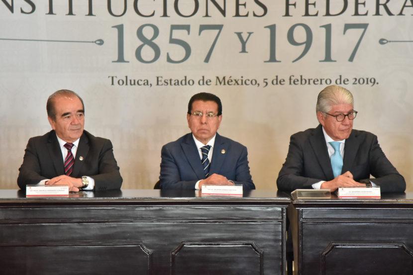 ASISTEN MAURILIO HERNÁNDEZ Y VALENTÍN GONZÁLEZ A CELEBRACIÓN DE LA CONSTITUCIÓN