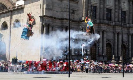 SE REALIZA LA TRADICIONAL QUEMA DE JUDAS EN LA PLAZA DE LOS MÁRTIRES, DESTACA EL HUACHICOLEO