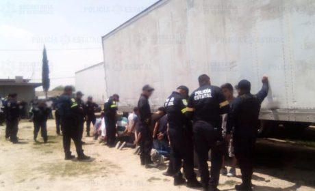 POLICÍA Y  EMPRESA DE SEGURIDAD PRIVADA CAPTURAN A 12 SUJETOS POR PROBABLE ROBO A TRANSPORTE
